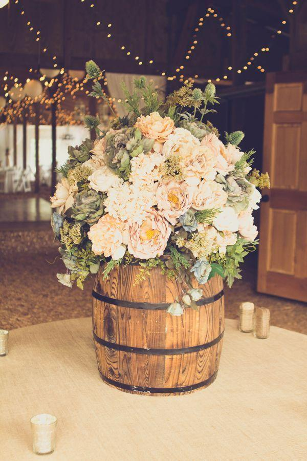 18 Stunning Diy Rustic Wedding Decorations 2565344 Weddbook