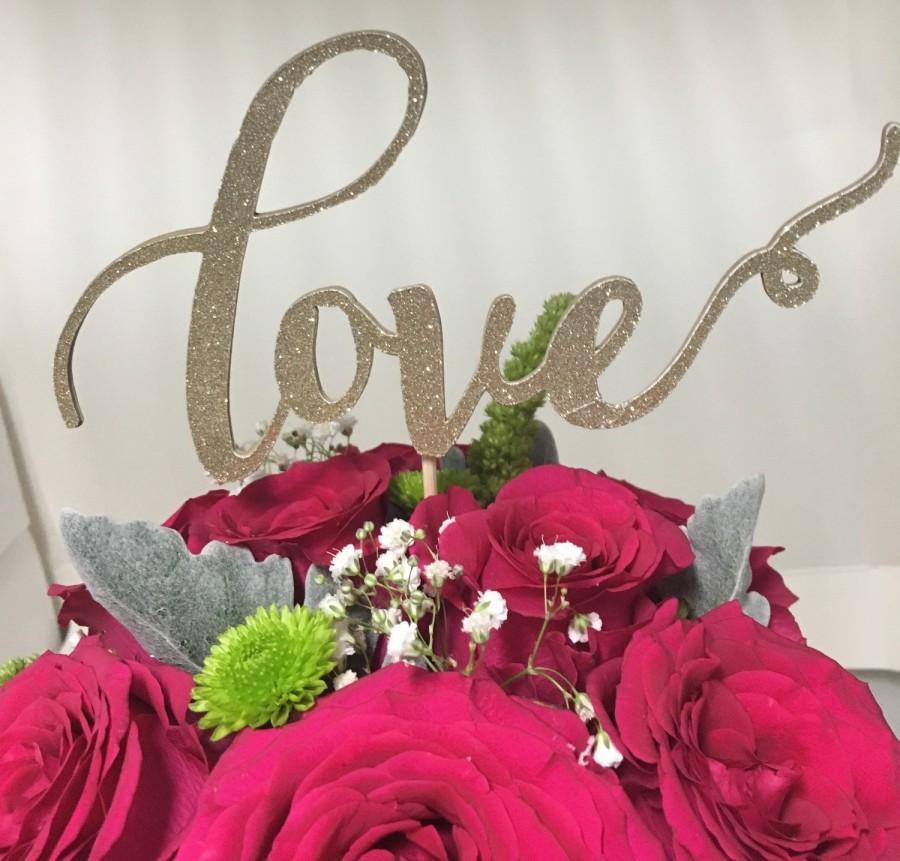 Свадьба - CAKE TOPPER ~ love ~ gold glitter ~ wedding cake topper ~ engagement cake topper ~ anniversary cake topper