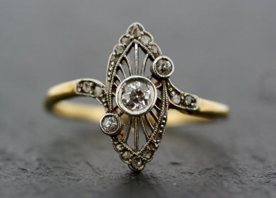 Wedding - Antique Art Deco Ring - Vintage Diamond Art Deco 18ct Gold & Platinum Ring