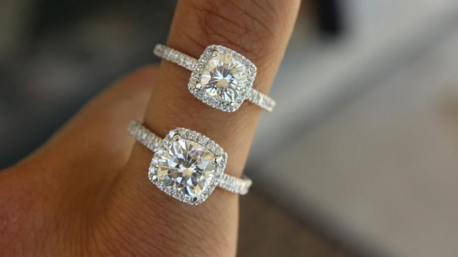 Moissanite 1 Carat Vs 2 Carat Cushion Forever One ...