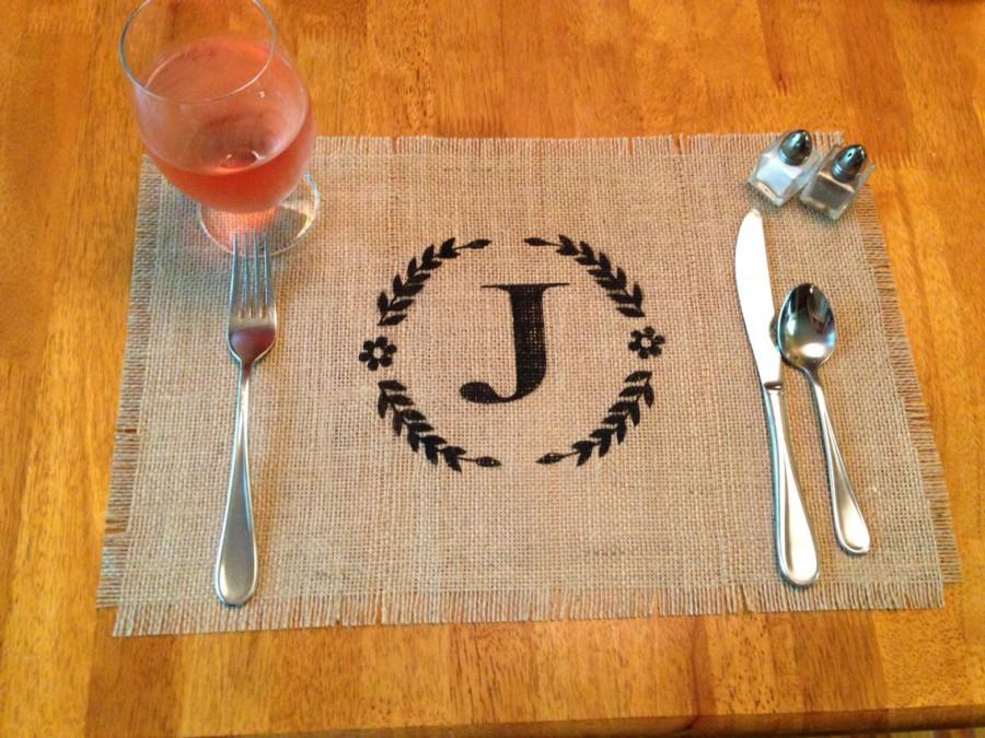 """Mariage - Monogrammed Burlap Placemats 12"""" x 18"""" sets of 2, 4 or 6 - Monogrammed placemat,Home decor Holiday decorating Wedding gift Housewarming gift"""