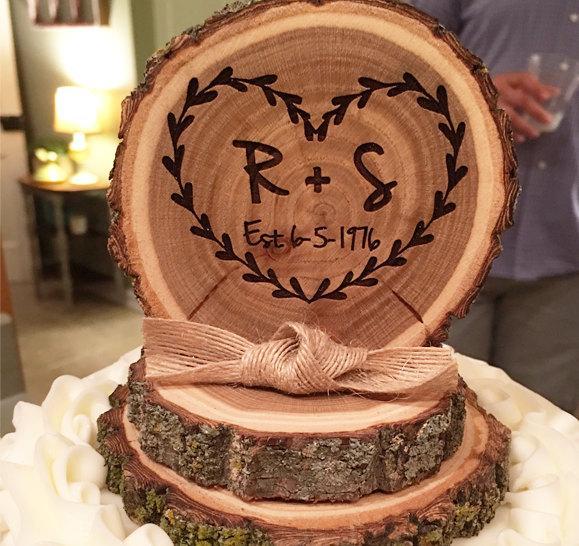 Свадьба - Tree slice cake topper, rustic cake topper, wood cake top, wedding cake toppers, Wedding cake topper,   base approx 4in x approx 5in tall