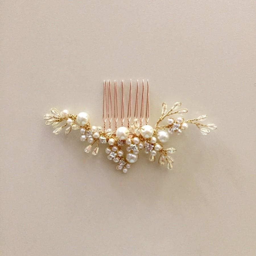 Mariage - Delicate Bridal hair comb fascinator crystals gold pearls Rhinestones Ivory wedding - Last one