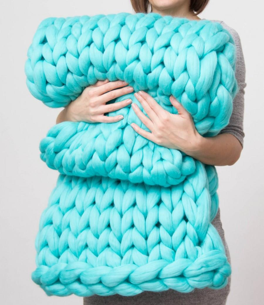 Wedding - Chunky Blanket. Knitted blanket. Merino Wool Blanket. Bulky Blanket. Extreme Knitting.