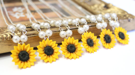 زفاف - Set of 3. 4. 5. 6. 7. 8. Sunflower Necklace, Yellow Sunflower Bridesmaid, Flower and Pearls Necklace, Bridal Flowers, Bridesmaid Necklace