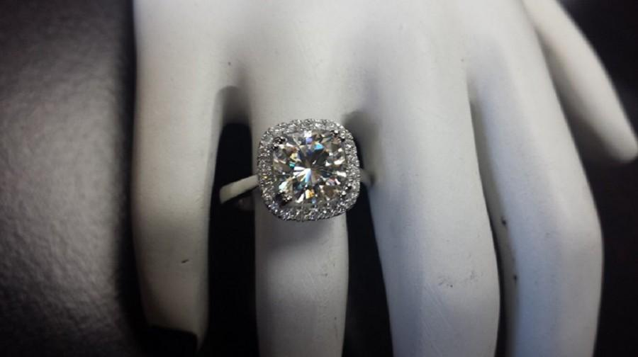 Mariage - 14kt White Gold Diamond Engagement Ring Center Is 8x8 Cushion Cut Forever Brlliant Moissanite G-SI2 Quality Diamonds Around The Halo