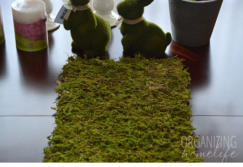 Свадьба - Spring Centerpiece With DIY Moss Table Runner