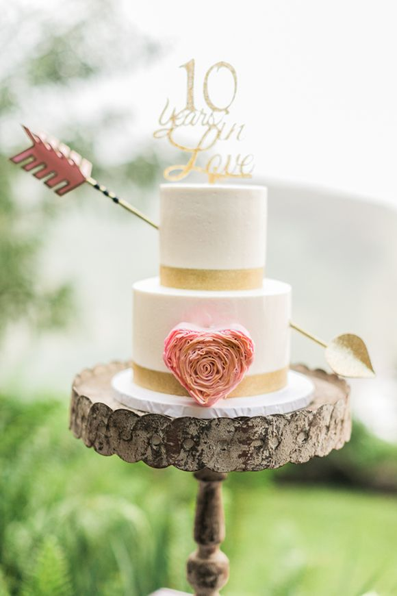 Cake Hawaiian Vow Renewal In The Rain 2567924 Weddbook