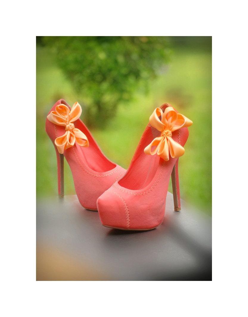 Свадьба - Light Orange Wedding Shoe Clips. Coral Pink Salmon Bow. White Ivory Pearl Rhinestone. Satin Ribbon Red Teal Yellow Blue Purple Emerald Gold