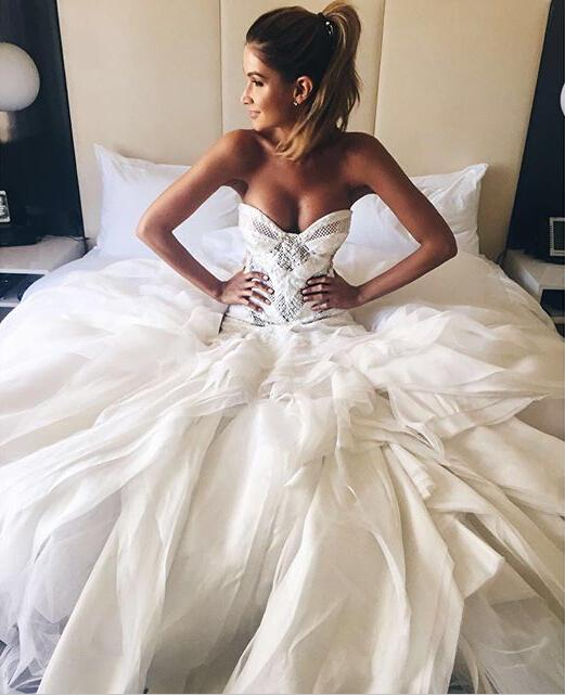 Fabulous Sweetheart Floor Length Wedding Dress With White Lace