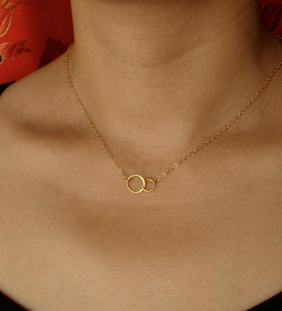 Свадьба - Tiny Linked Circles Necklace in Gold,Mother's Day Gifts wedding, bridesmaid gift, w
