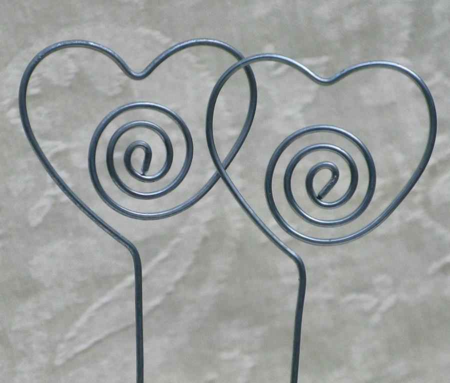 Свадьба - Heart Table Number, Photo or Card Holder, Plant Picks, Set of 10 in Steel Wire, Wedding, Anniversary, Valentine