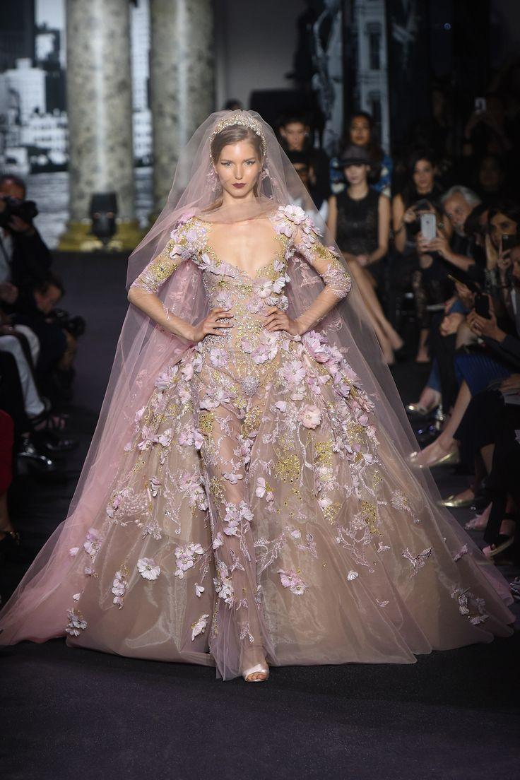 Dress elie saab fall 2016 couture fashion show 2568696 for Fashion couture 2016