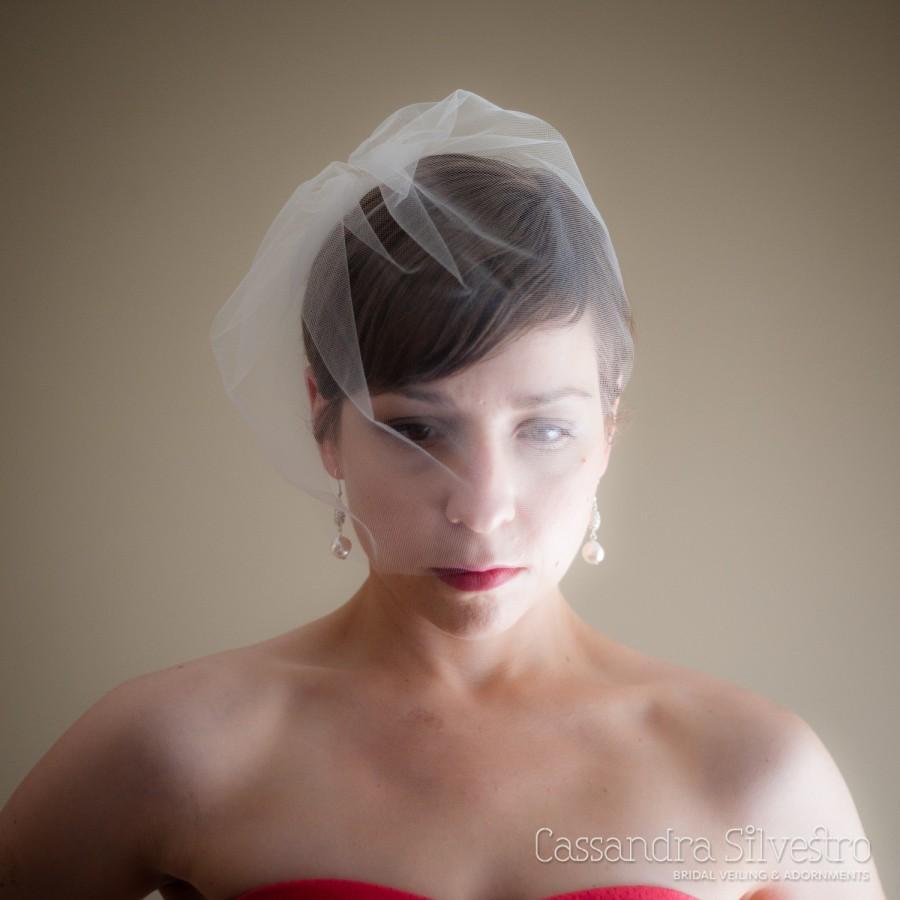 Mariage - Medium Tulle Birdcage Wedding Veil (Blusher Veil, Mini Veil, Bridal Veil, Bridal Illusion Tulle, Bird Cage Veil, Retro Veil)