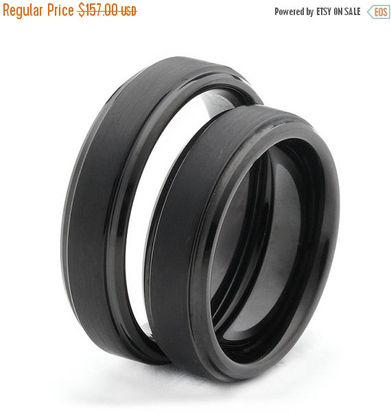 Mariage - ON SALE Black Wedding Rings With Grooved Side Lines Tungsten Carbide