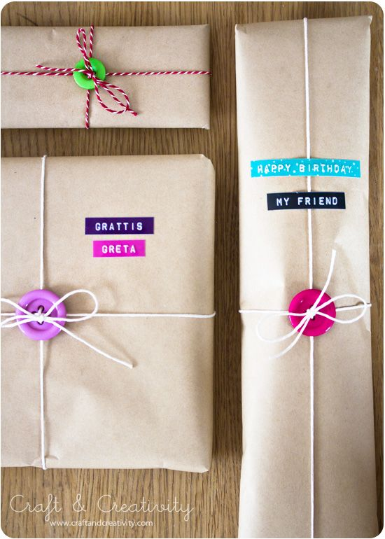 Hochzeit - 20 Crafts To Make With Buttons From Your Grandmother's Button Tin