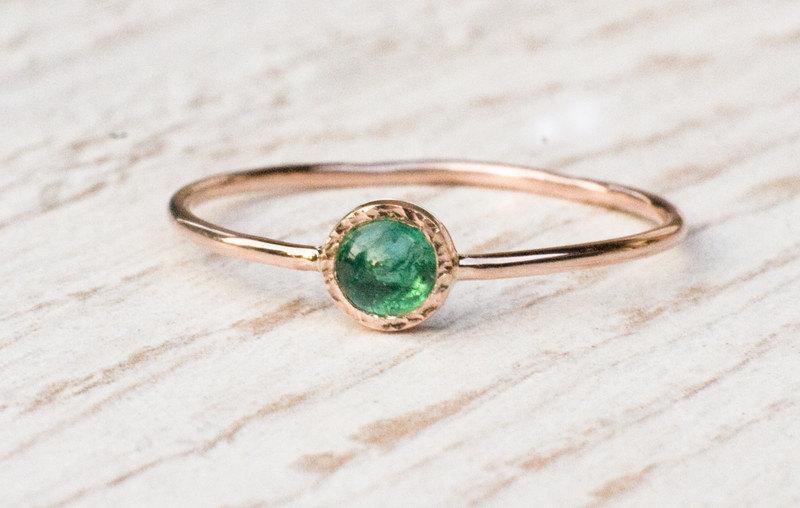 زفاف - Emerald ring in 14k Rose gold, green gemstone ring, May birthstone , anniversary, engagement, gift for her