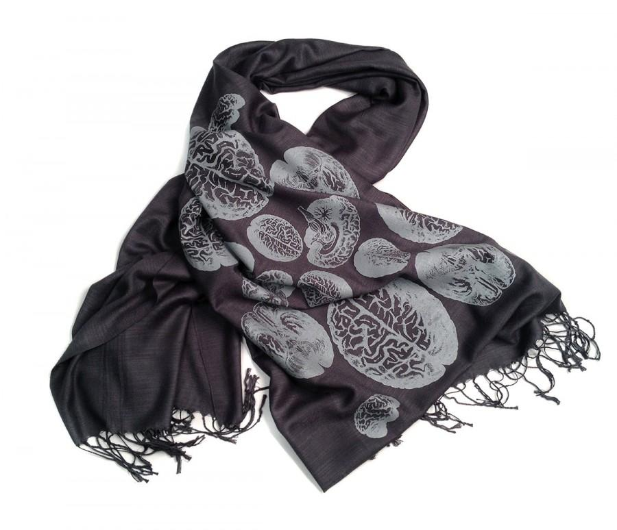 "Свадьба - Brain scarf. Anatomical brains, linen weave pashmina. ""Brainstorm"" steel gray silkscreen print. For him or her. More colors available!"