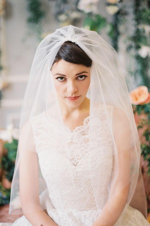 Mariage - A Romantic Collection Of Veils & Bridal Hair Accessories