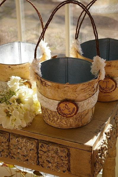 زفاف - Charming and Rustic Flower Girl Basket.......Birch and Frills.......Rustic Wedding.....Bridal, Flower Girl