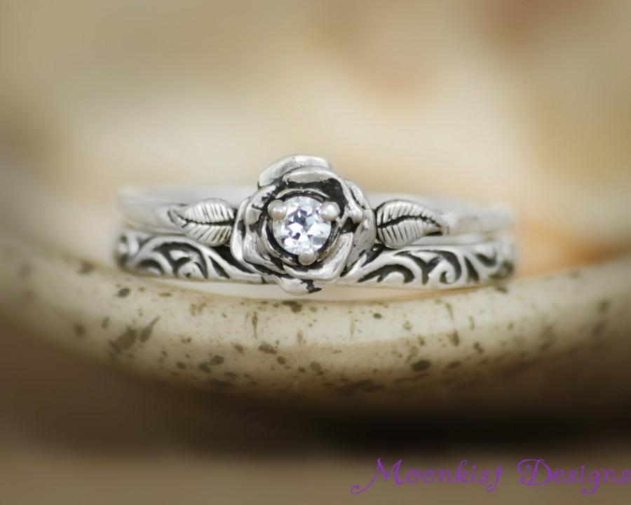 Mariage - Delicate Rose Engagement Ring Set with White Sapphire and Swirl Pattern Band in Sterling - Silver Rose Diamond Alternative Wedding Ring Set