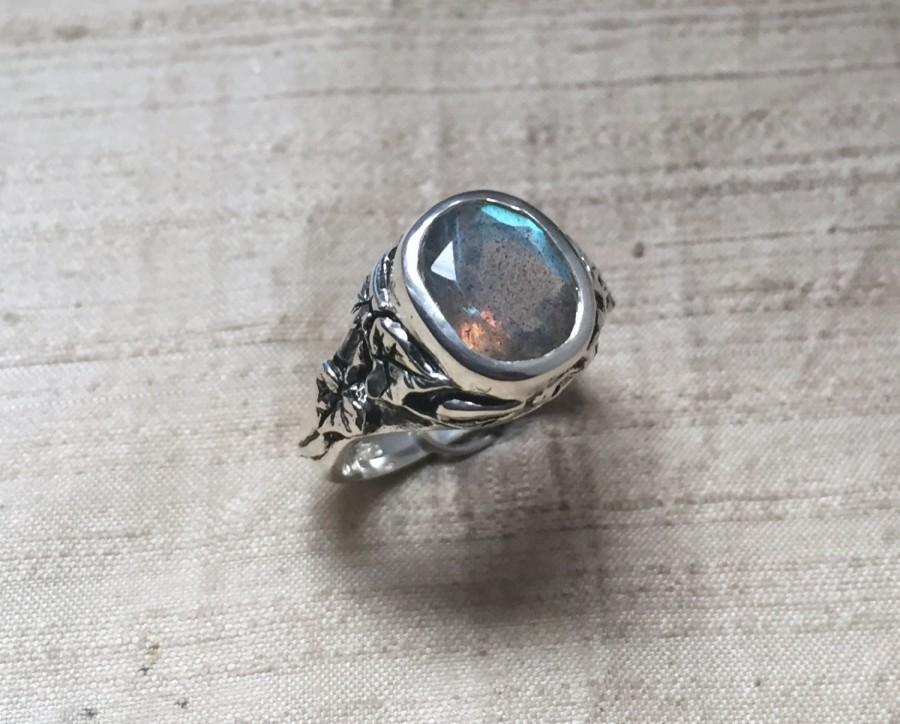 زفاف - The Ivy Ring in Faceted Labradorite and Sterling