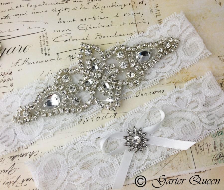 Свадьба - White Lace Wedding Garter set, White Bridal garter Set, White Wedding Garter, Rhinestone Garter, Personalized Garter Set, Monogram Garter