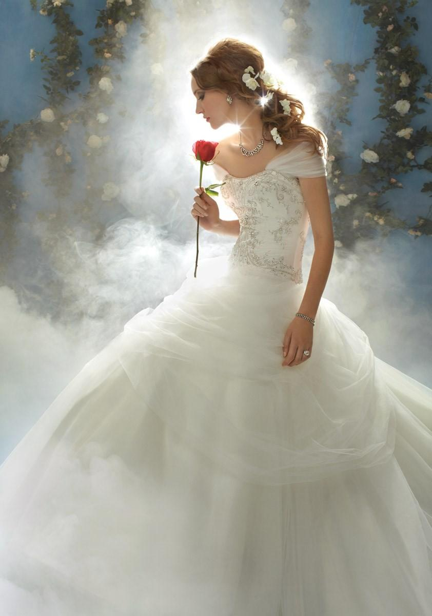 Wedding - Disney Fairytales by Alfred Angelo, Belle - Superbes robes de mariée pas cher