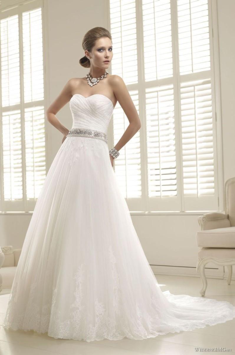 Ronald Joyce   Priscilla   20   Glamorous Wedding Dresses ...