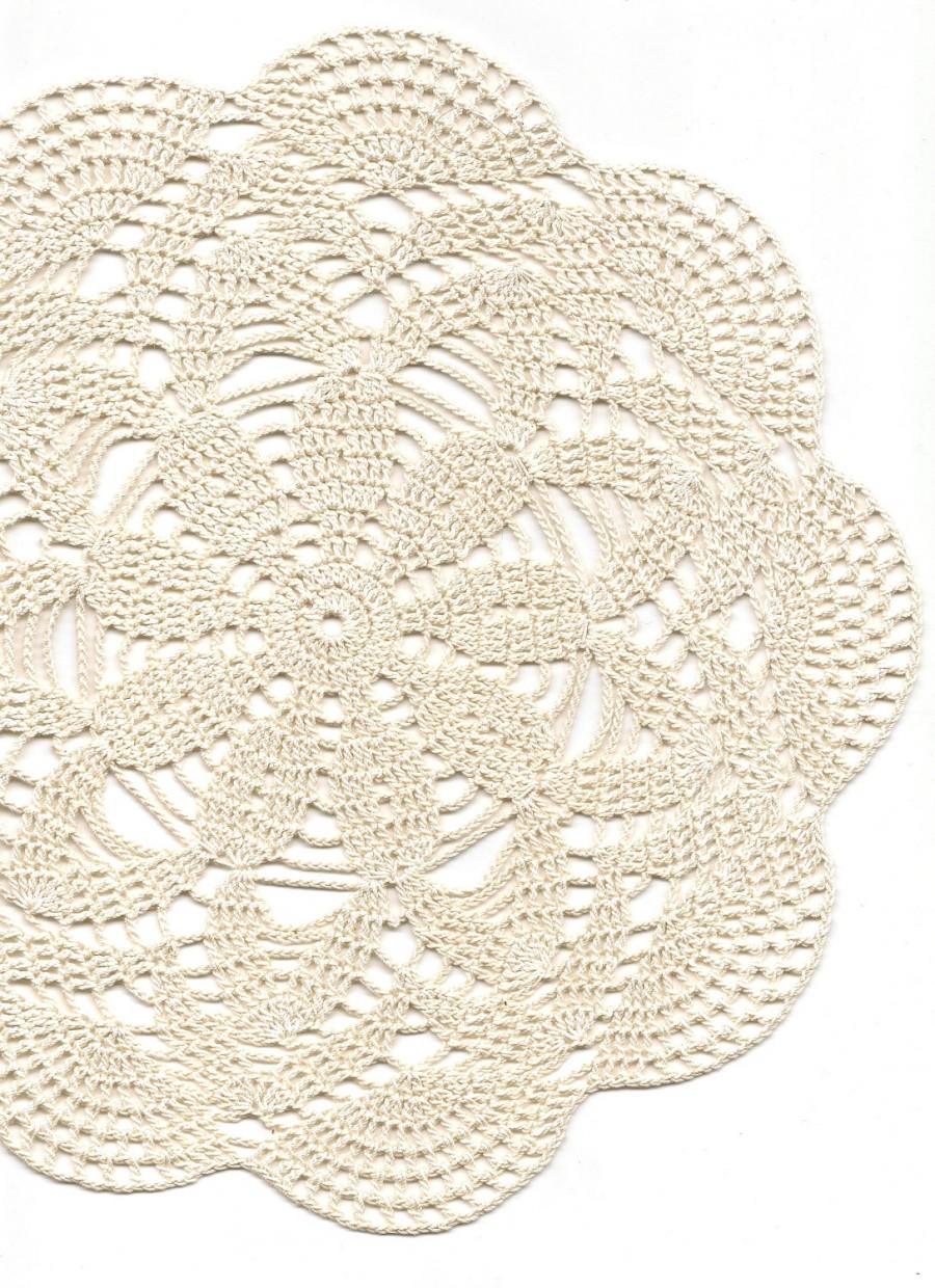 Mariage - Crochet doily, lace doily, table decoration, crocheted place mat, centre piece,doily tablecloth, weddings, napkin, cream, handmade doilies
