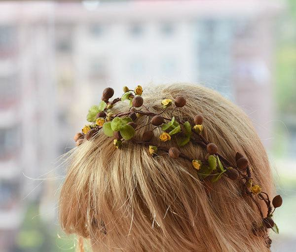 Свадьба - Natural Color Flower Crown, Wedding Floral Crown, Woodland Bridal Headpiece,  Flower Hair Accessories
