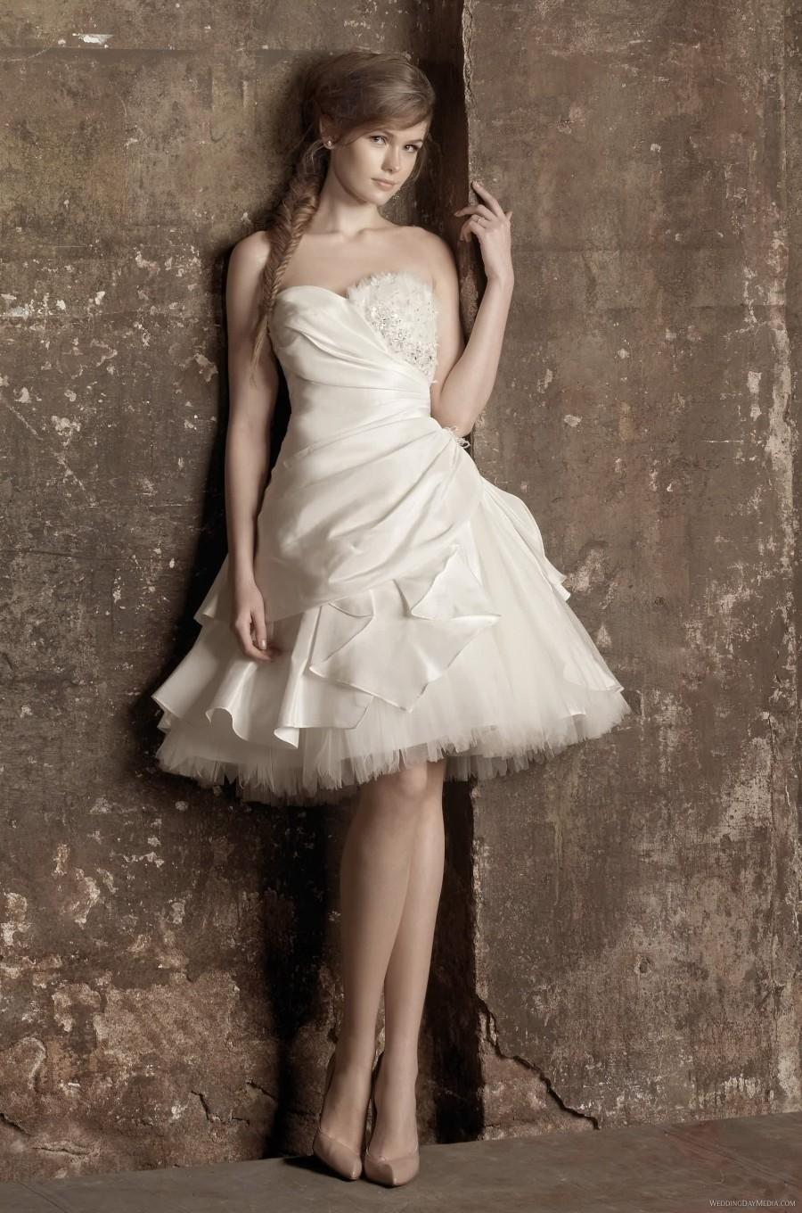 Benjamin roberts 5377 benjamin roberts wedding dresses tia for Little black wedding dress