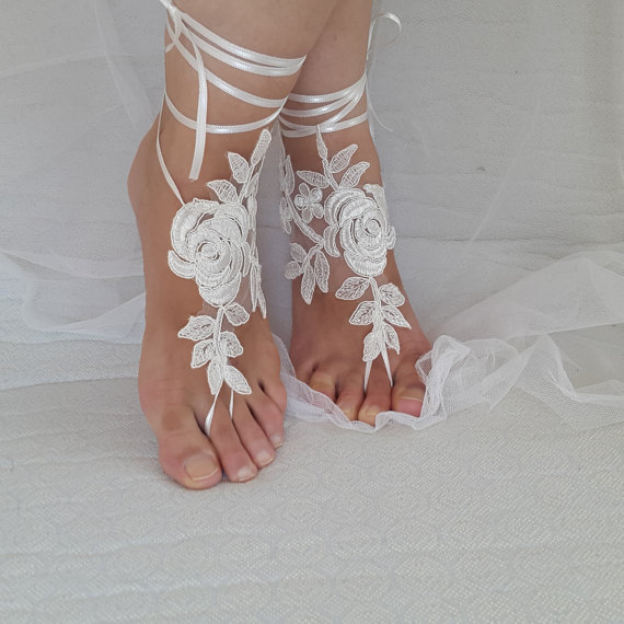 Wedding - bridal accessories, ivory lace, wedding sandals, shoes, free shipping! Anklet, bridal sandals, bridesmaids, wedding gifts.......