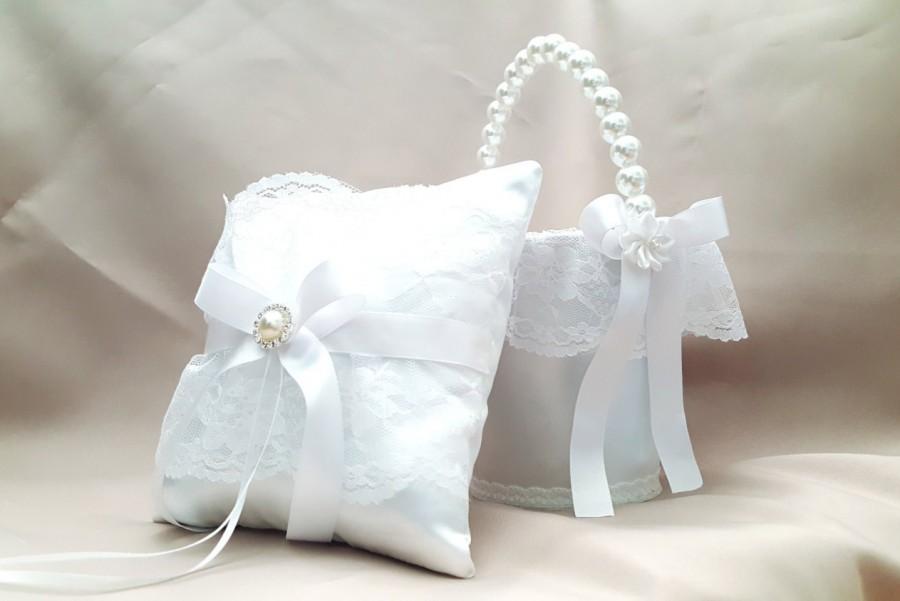 flower girl basket and ring bearer pillow flower girl basket ring bearer pillow white elegant. Black Bedroom Furniture Sets. Home Design Ideas