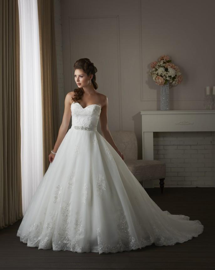 Bonny classic 414 lace and tulle wedding dress crazy for Unusual wedding dresses for sale
