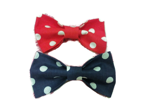Свадьба - Bow ties Two big polka dots bow ties Navy and red polka dots bowtes Gift for twins The best gift for boys Cadeau pour les jumeaux Men's gift