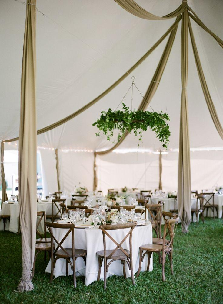 """Mariage - This Backyard Wedding Is Basically """"Father Of The Bride"""" IRL"""