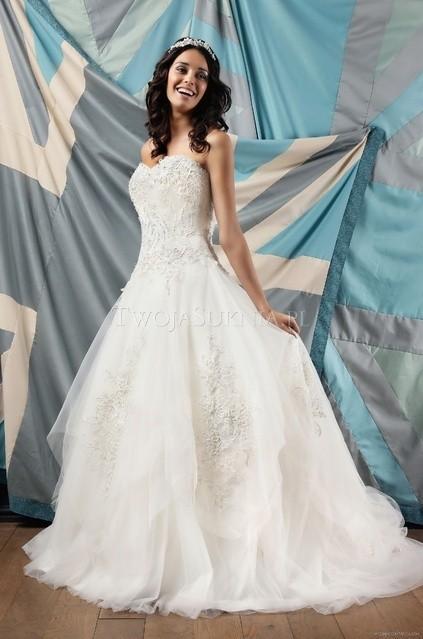 Boda - Amanda Wyatt - The Oxford (2012) - Heavenly - Glamorous Wedding Dresses