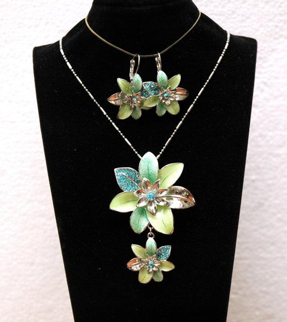Wedding - Turquoise Crystal Necklace, Jewelry Set, Flower Necklace, Flower Earrings, Silver Necklace Set, Crystal Necklace and Earrings