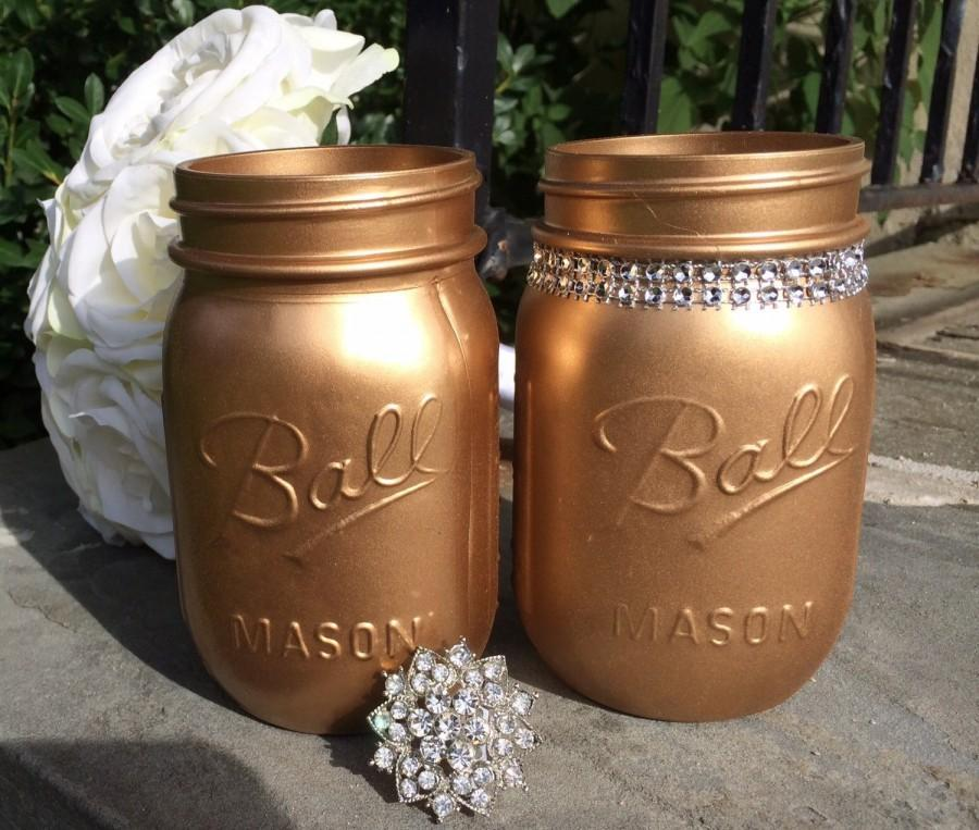 Свадьба - Gold Painted Pint Mason Jars (Set of 2), Metallic Glitter Bling decor, Wedding centerpiece, New Years party decor, Baby Shower, Fun Vase