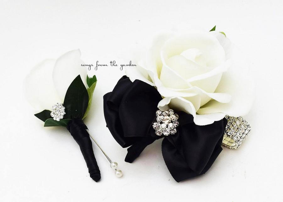 Свадьба - Black and White with Rhinestones Real Touch Rose Wedding Boutonniere Wedding Corsage Mother of the Bride Father Flowers Prom Corsage