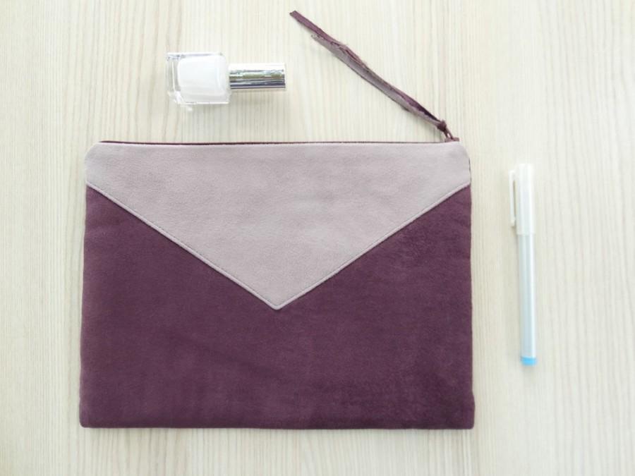 Hochzeit - Vegan Wine Clutch, Wedding Envelope Purse, Bridesmaid Clutch Wristlet, Faux Suede Party Handbag