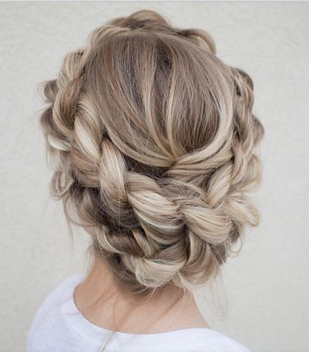 Hochzeit - A Collection Of The Best Back To College Hairstyles