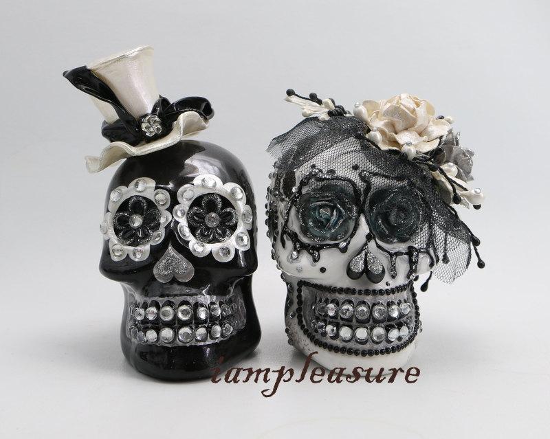 زفاف - Skull weddings cake topper handmade bride and groom