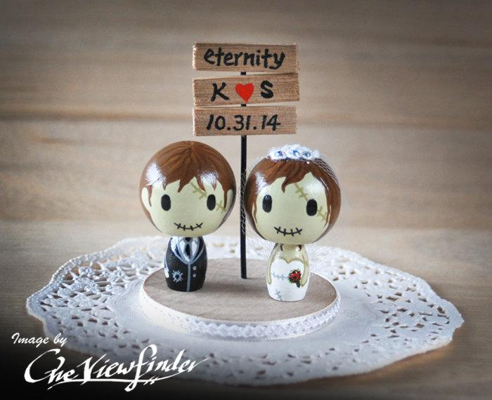 Свадьба - Customise Wedding Cake Topper with Sign Board - zombie. monster, creature, halloween