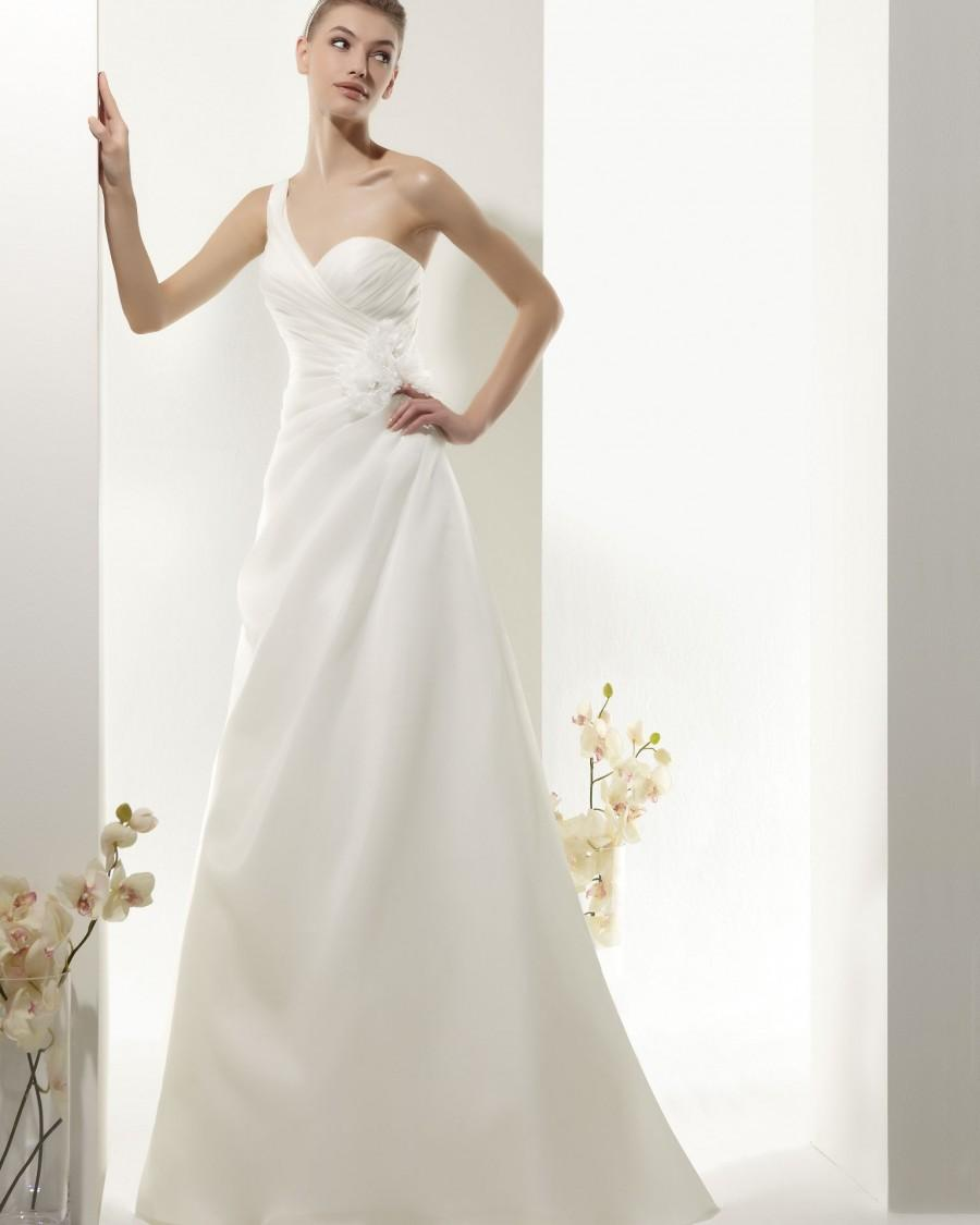 Hochzeit - Simple A-line One Shoulder Hand Made Flowers Floor-length Organza Wedding Dresses - Elegant Evening Dresses