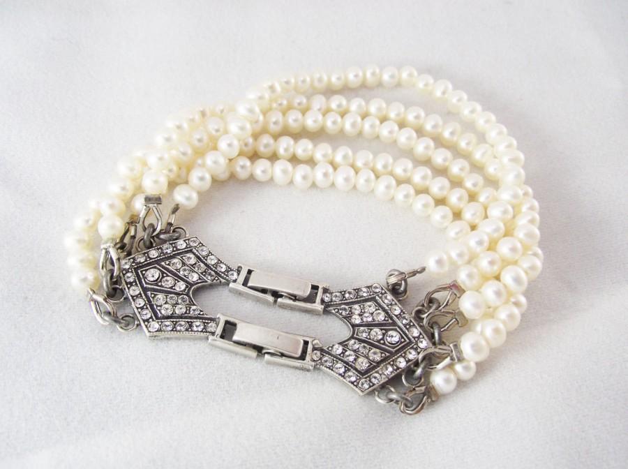 Mariage - Freshwater pearl bracelet, Bridal Pearl Jewelry, Vintage inspired bracelet, Swarovski crystal Handmade Jewelry, Wedding Pearl Bracelet