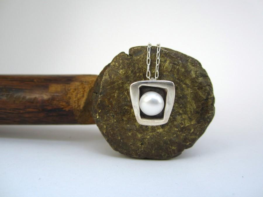 Mariage - Modern Pearl Necklace - Square Sterling Silver and Freshwater Pearl Necklace with Black Patina