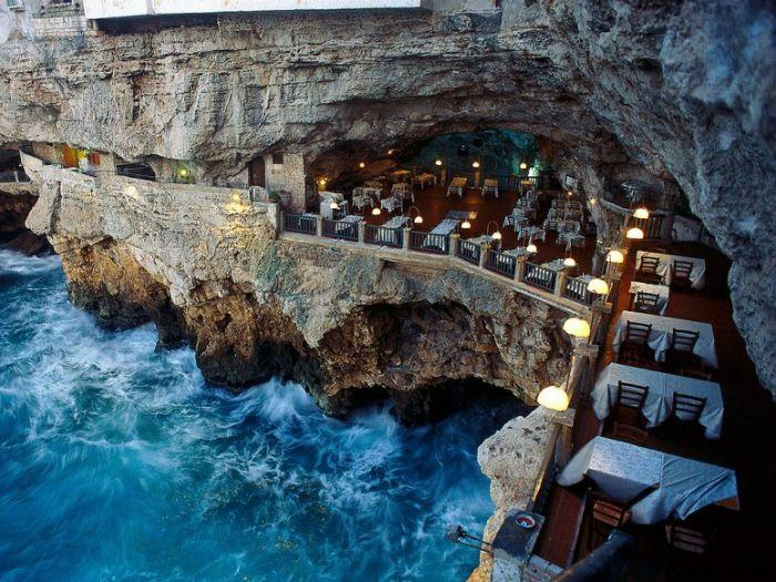 Mariage - 50 Of The World's Most Breathtaking Restaurant Views