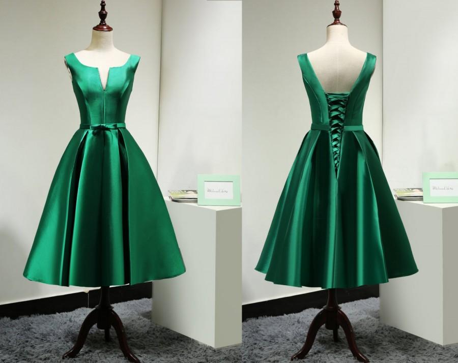 Modest Satin Emerald Green Bridesmaid Dress Short Customelegant Tea